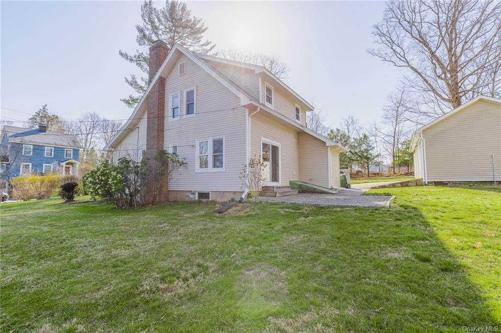 2. Single Family Home for Sale at 25 North Street Bedford Hills, New York, 10507 United States