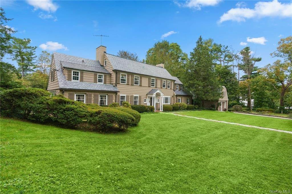 2. Single Family Home for Sale at 3 Richbell Road Scarsdale, New York, 10583 United States