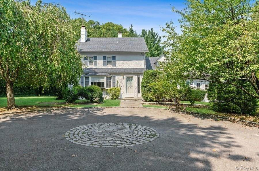 2. Single Family Home for Sale at 93 Wilmot Road New Rochelle, New York, 10804 United States