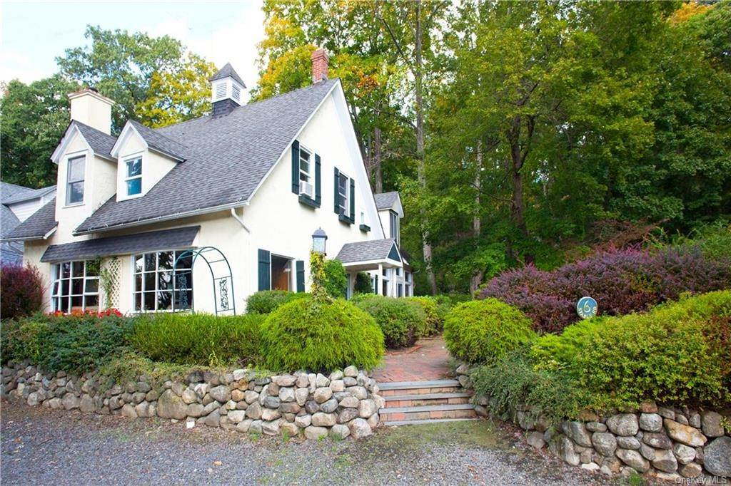 2. Single Family Home por un Venta en 6 Stable Road Tuxedo Park, Nueva York, 10987 Estados Unidos