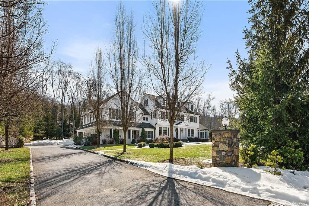 2. Single Family Home for Sale at 17 Colony Row Chappaqua, New York, 10514 United States