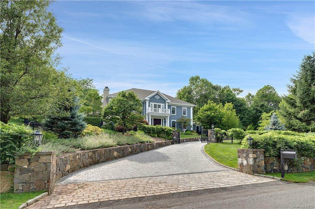 2. Single Family Home for Sale at 81 Sheather Road Bedford Corners, New York, 10549 United States