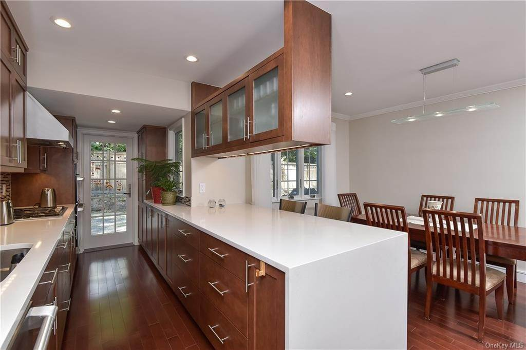 2. Rental Communities for Rent at 3 Willow Circle Bronxville, New York, 10708 United States
