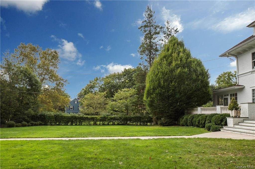 2. Single Family Home for Sale at 119 White Plains Road Bronxville, New York, 10708 United States