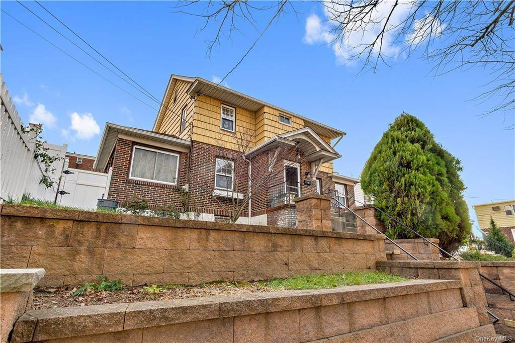 2. Single Family Home for Sale at 12 Hill Terrace Yonkers, New York, 10701 United States