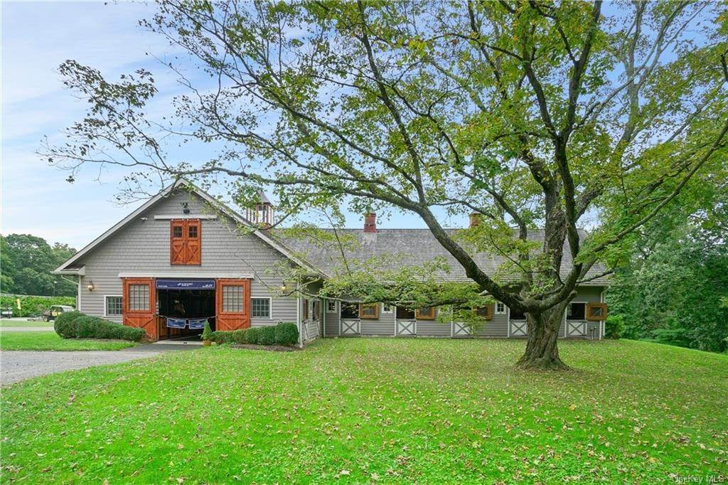 2. Single Family Home for Sale at 14 Middle Patent Road Armonk, New York, 10504 United States
