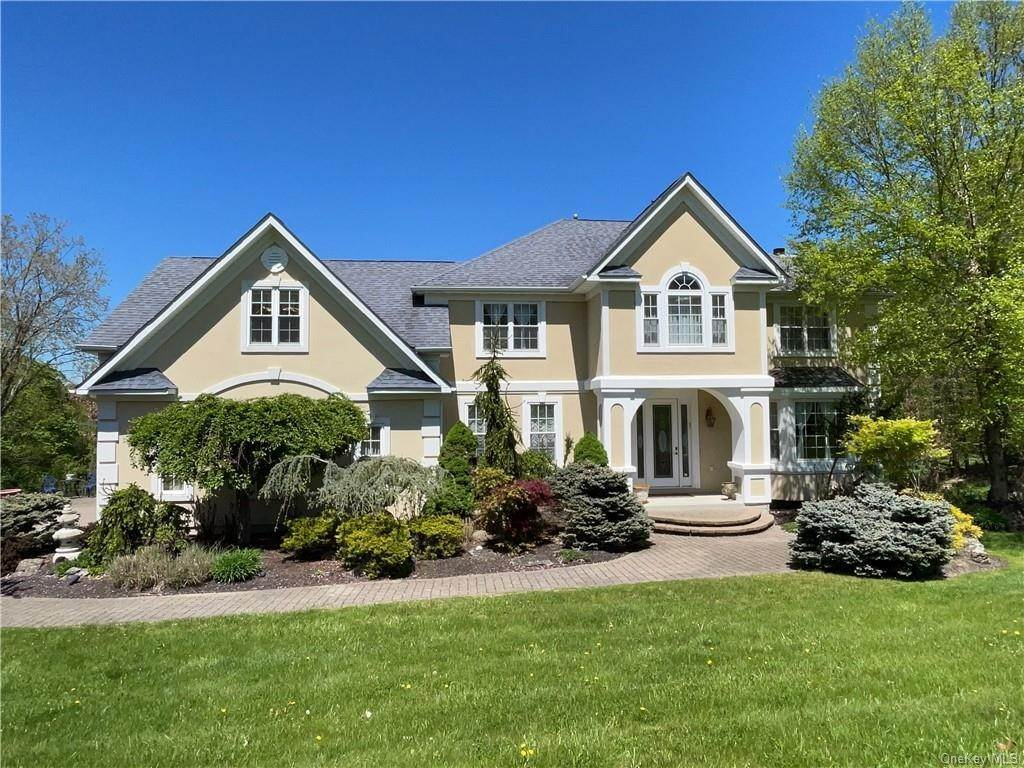 2. Single Family Home pour l Vente à 7 Country Woods Drive Chester, New York, 10918 États-Unis