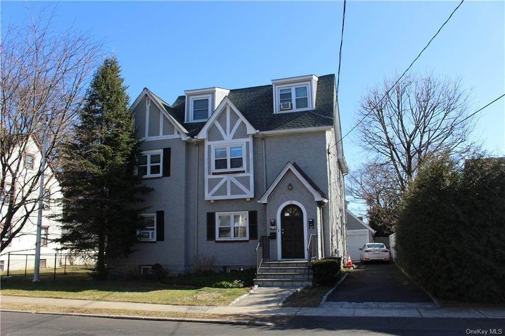 2. Single Family Home for Sale at 43 Bradford Street Harrison, New York, 10528 United States