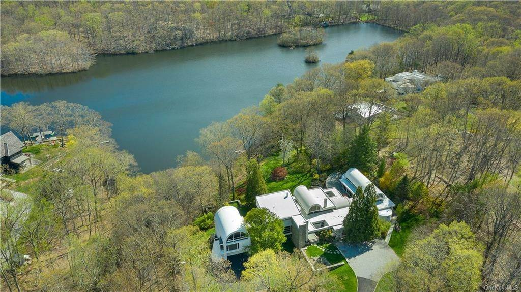 2. Single Family Home for Sale at 38 Mallard Lake Road Pound Ridge, New York, 10576 United States