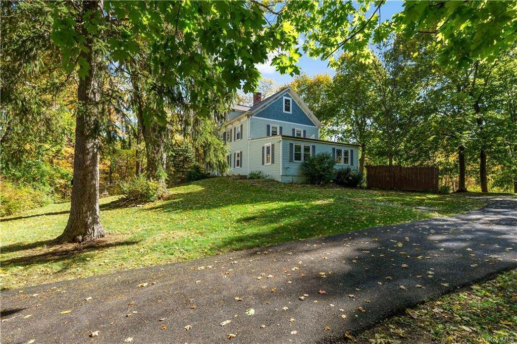 2. Single Family Home for Sale at 1683 Strawberry Road Mohegan Lake, New York, 10547 United States