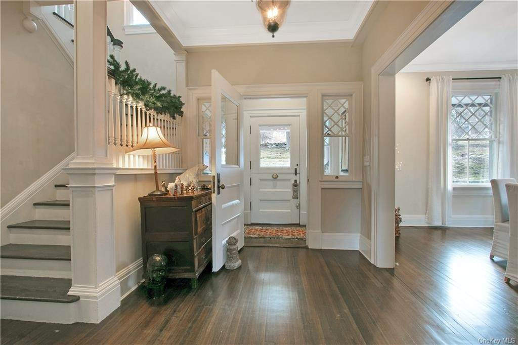 2. Single Family Home for Sale at 18 Pepperidge Road Tuxedo Park, New York, 10987 United States