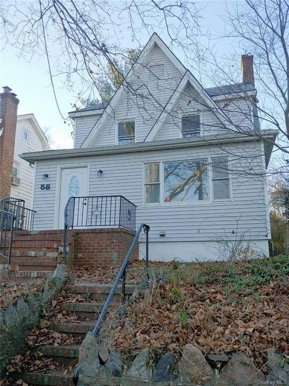 2. Single Family Home for Sale at 58 Hillcrest Road Mount Vernon, New York, 10552 United States