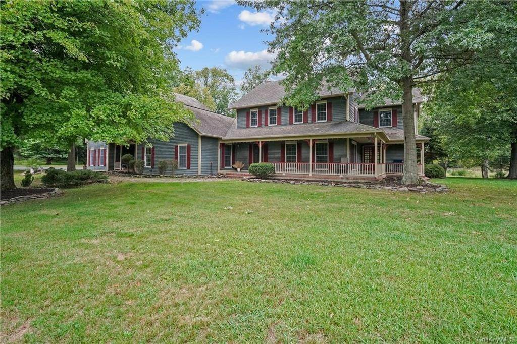 2. Single Family Home for Sale at 184 Sarah Wells Trail Campbell Hall, New York, 10916 United States