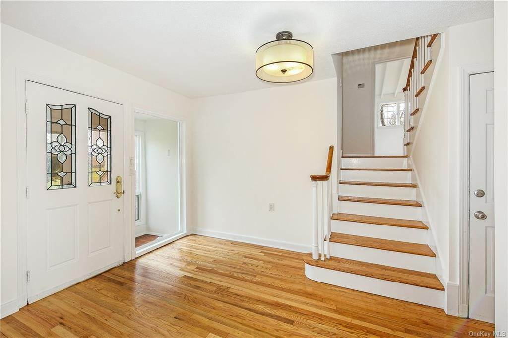 2. Single Family Home for Sale at 68 Soundview Avenue Rye, New York, 10580 United States