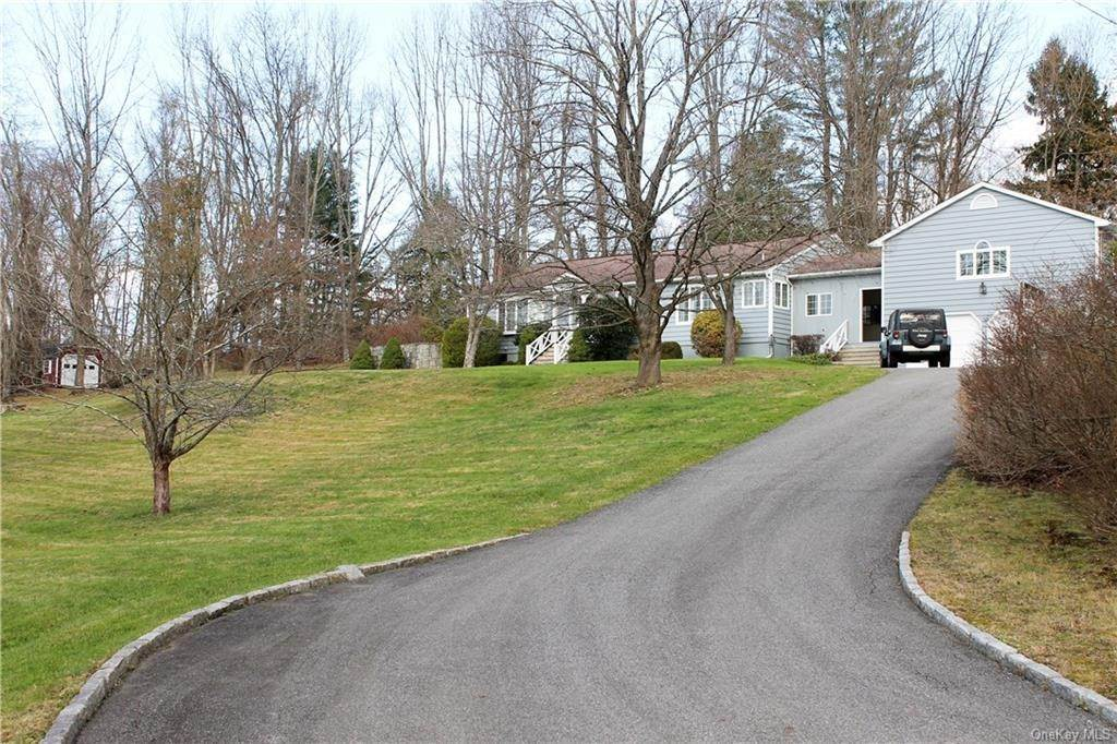 2. Single Family Home for Sale at 36 Indian Hill Road Bedford, New York, 10506 United States