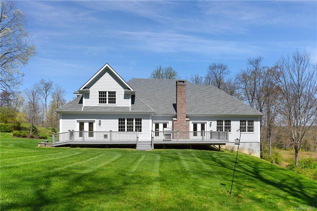 2. Single Family Home for Sale at 76 Mayflower Lane Katonah, New York, 10536 United States
