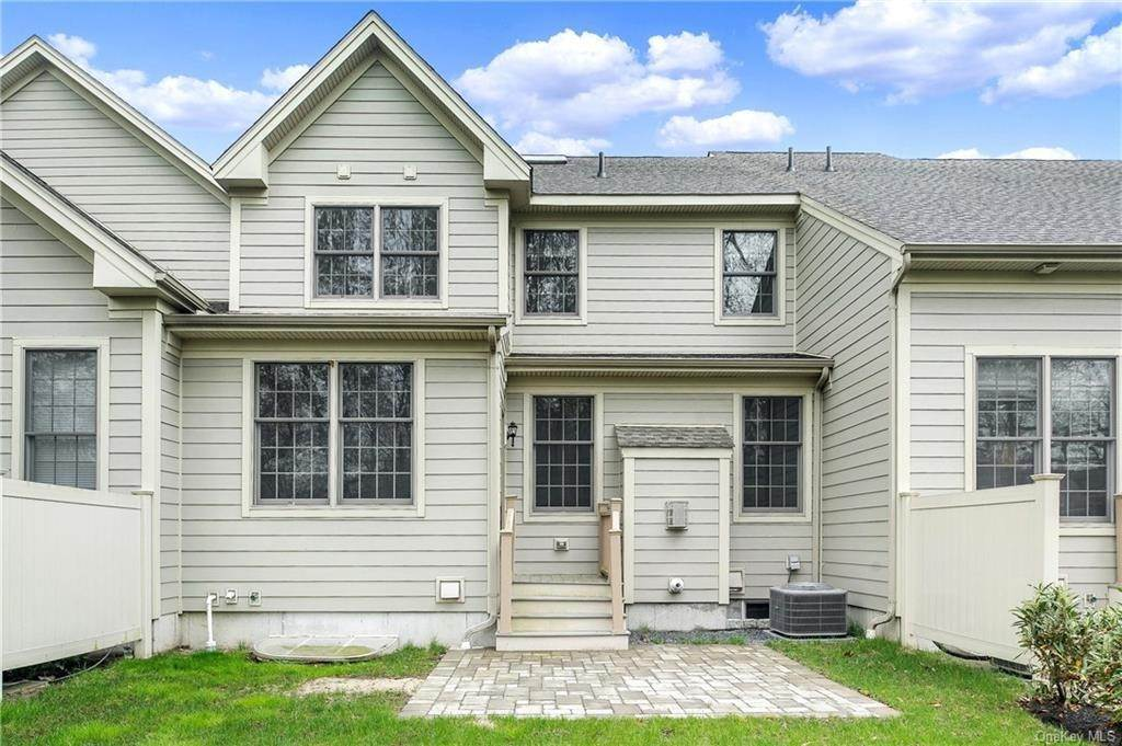 20. Single Family Home for Sale at 28 Deforest Drive Cortlandt Manor, New York, 10567 United States