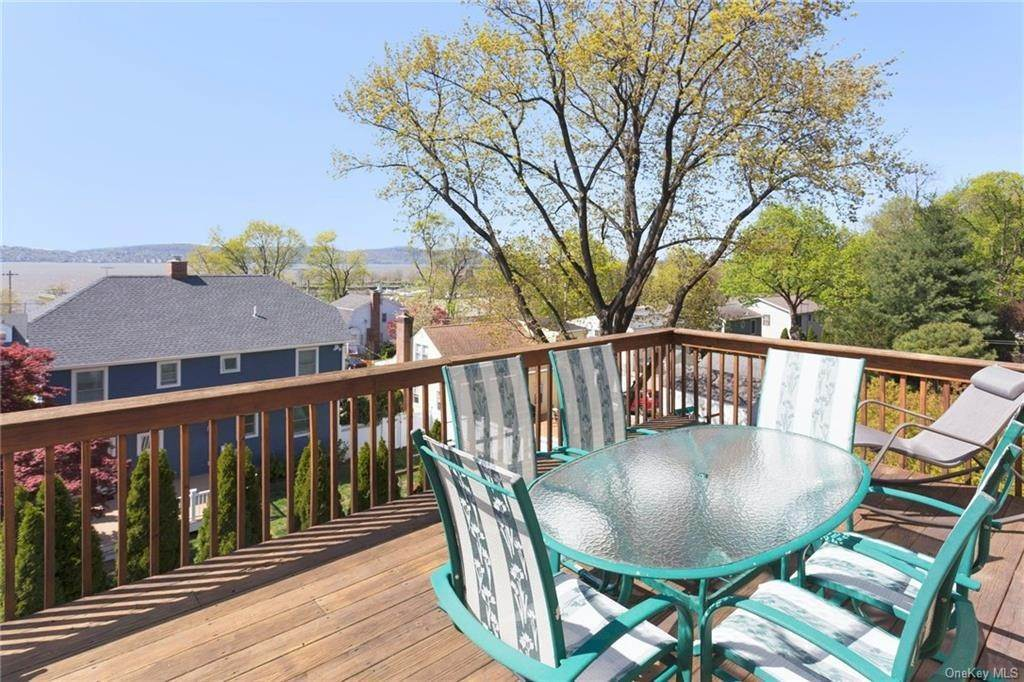 20. Single Family Home for Sale at 89 Riverview Avenue Tarrytown, New York, 10591 United States