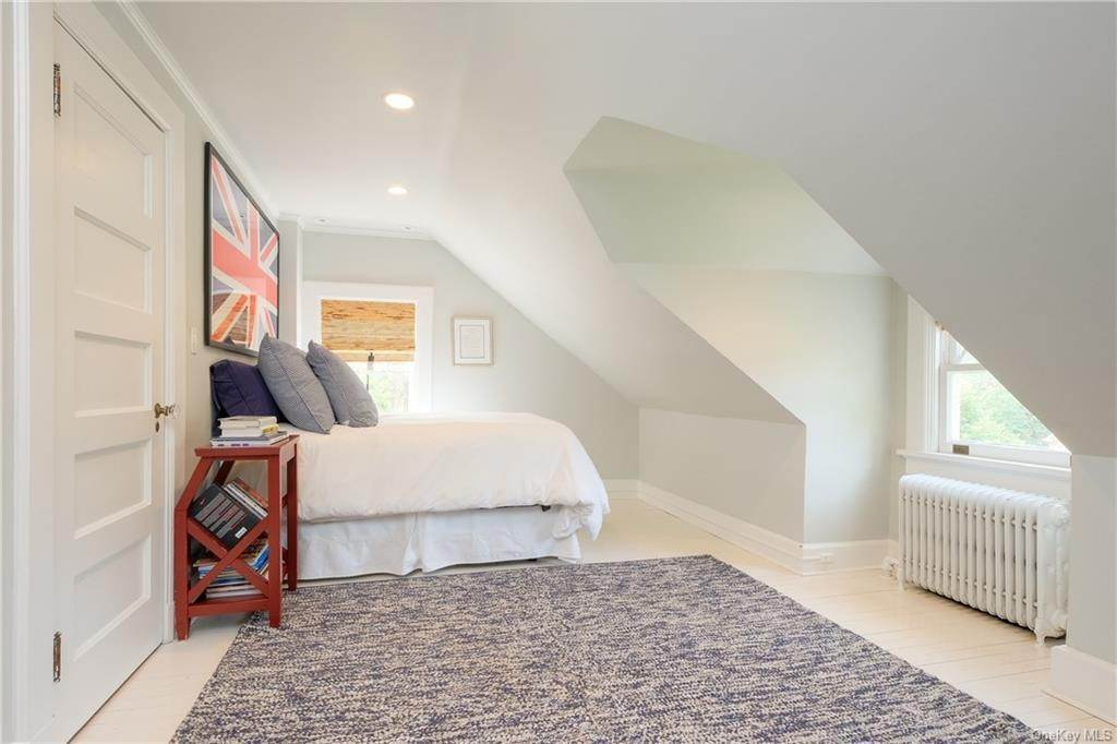20. Single Family Home por un Venta en 2 Governors Road Bronxville, Nueva York, 10708 Estados Unidos
