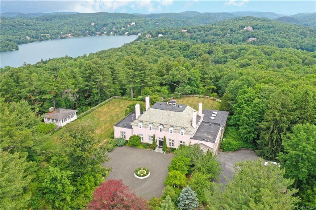 20. Single Family Home pour l Vente à 94 Pine Hill Road Tuxedo Park, New York, 10987 États-Unis