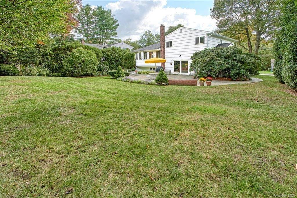 20. Single Family Home for Sale at 188 Country Ridge Drive Rye Brook, New York, 10573 United States