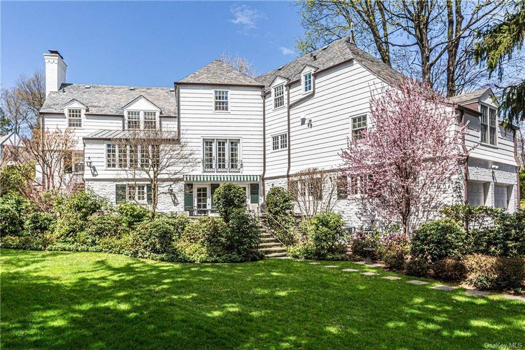 20. Rental Communities for Rent at 25 Moore Road Bronxville, New York, 10708 United States