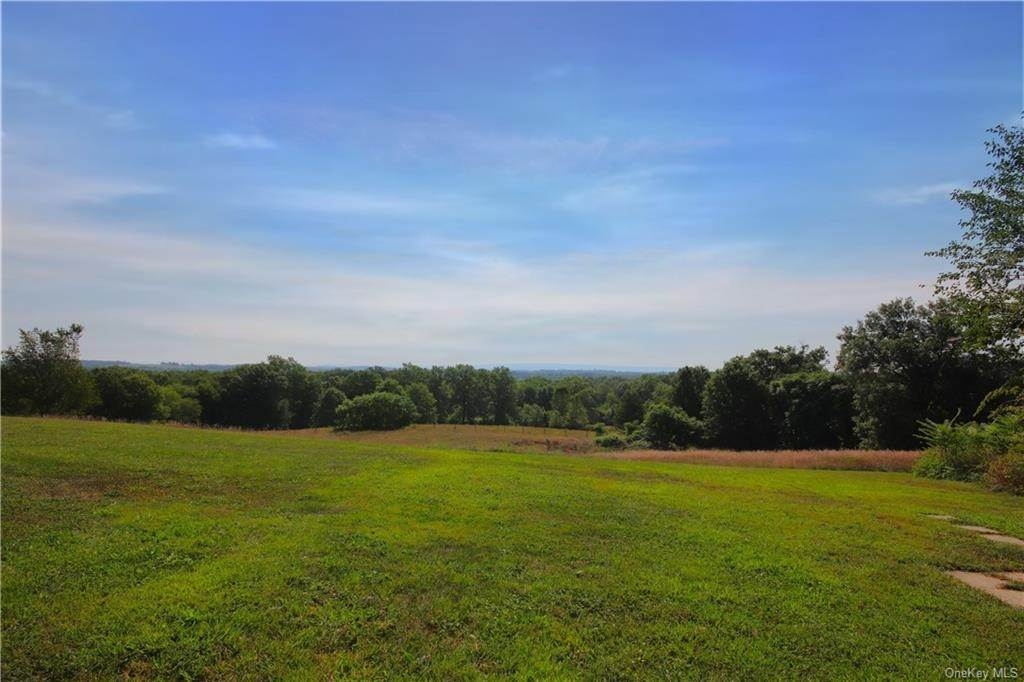 20. Single Family Home for Sale at 184 N Kaisertown Road Montgomery, New York, 12549 United States