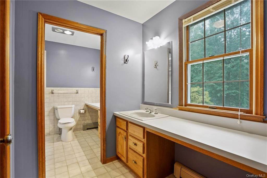 20. Single Family Home for Sale at 184 Sarah Wells Trail Campbell Hall, New York, 10916 United States