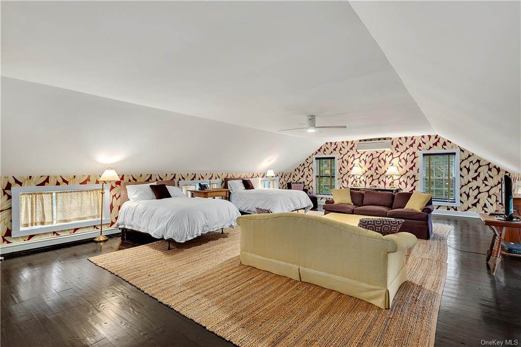 20. Rental Communities for Rent at 419 Cantitoe Street Bedford Hills, New York, 10507 United States