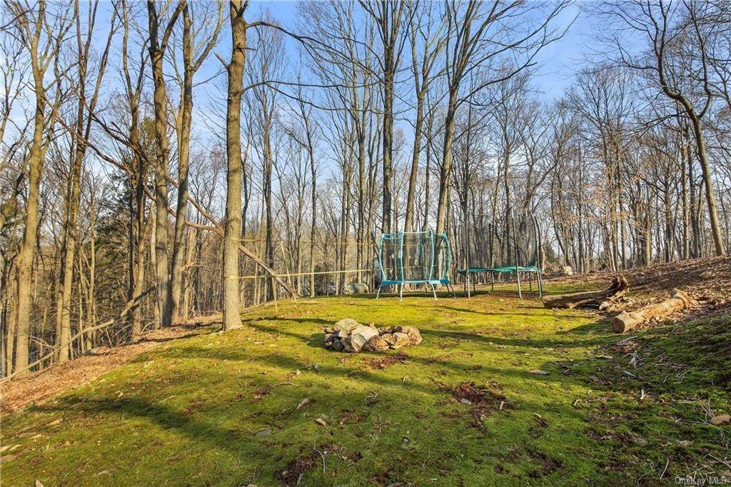 21. Single Family Home por un Venta en 16 Hillcrest Circle Chappaqua, Nueva York, 10514 Estados Unidos