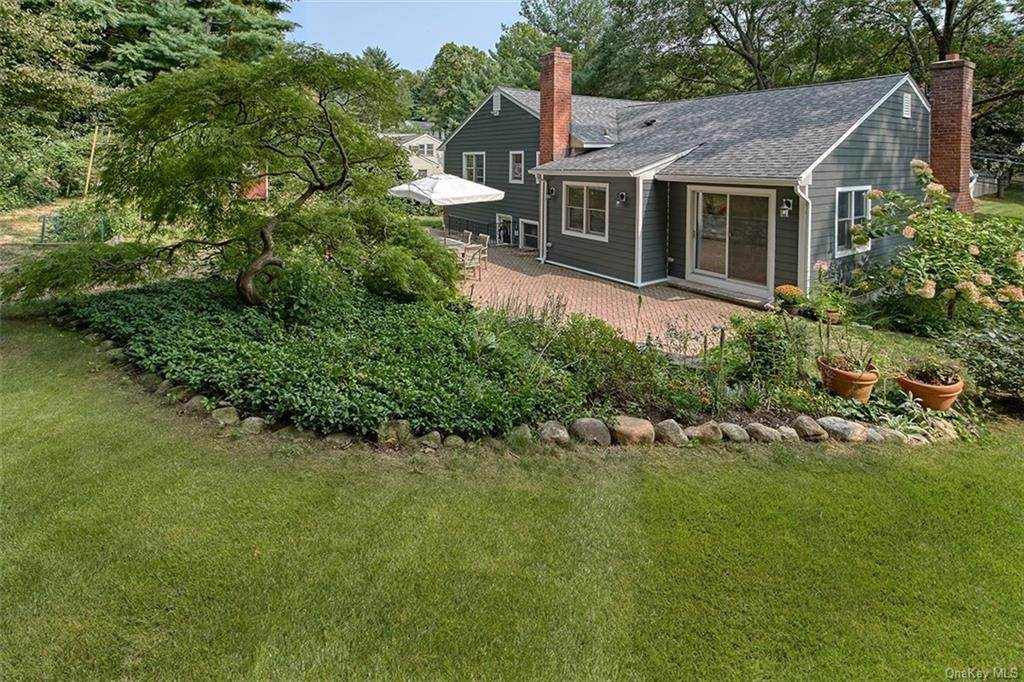 21. Single Family Home for Sale at 2 Pine Ridge Road Rye Brook, New York, 10573 United States