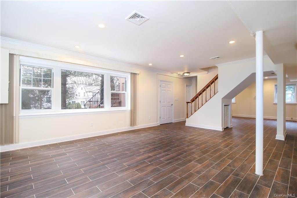 21. Single Family Home for Sale at 21 Bramblebrook Road Ardsley, New York, 10502 United States