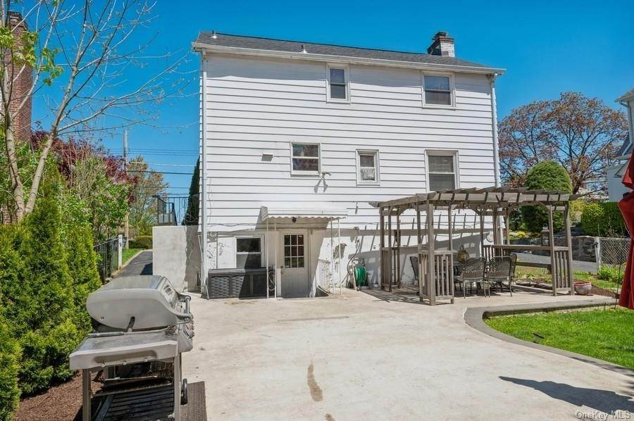 21. Single Family Home pour l Vente à 136 Ramsey Avenue Yonkers, New York, 10701 États-Unis