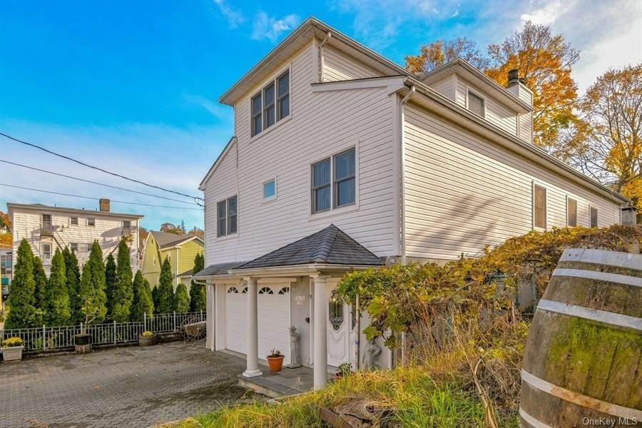21. Single Family Home for Sale at 9 Garden Street Ossining, New York, 10562 United States