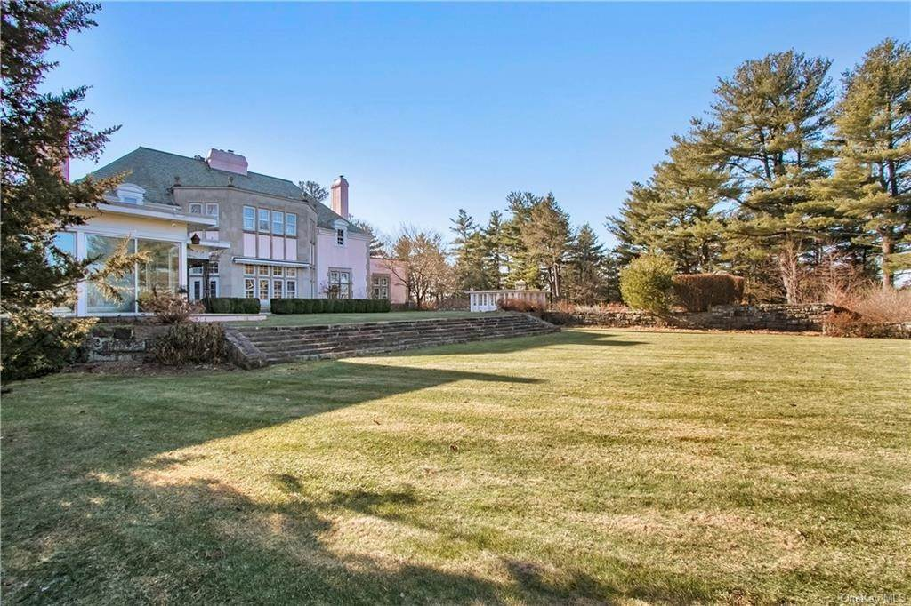 21. Single Family Home pour l Vente à 94 Pine Hill Road Tuxedo Park, New York, 10987 États-Unis