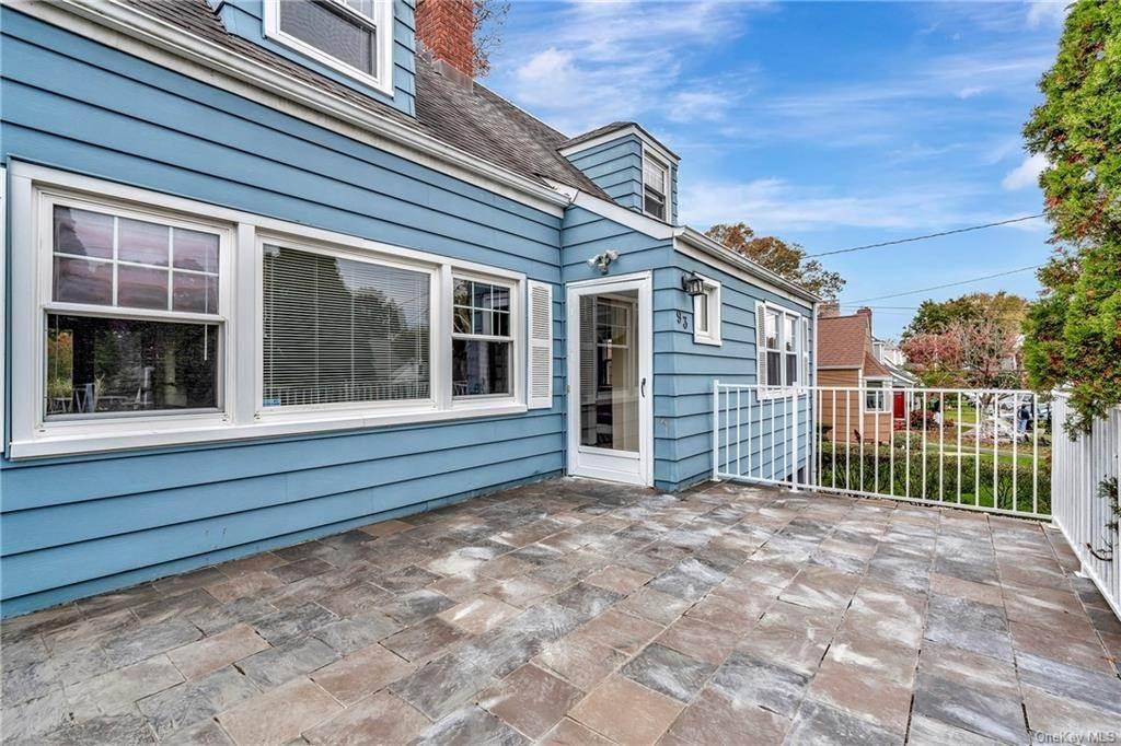 21. Single Family Home for Sale at 93 Joyce Road Eastchester, New York, 10709 United States