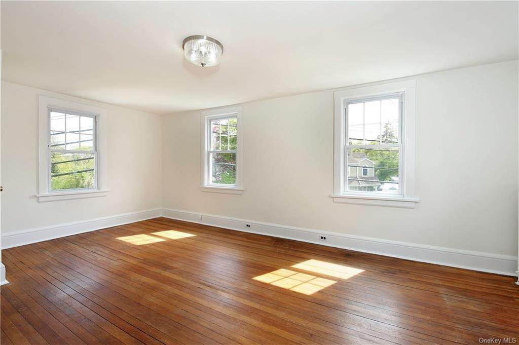 21. Single Family Home for Sale at 211 Oakland Beach Avenue Rye, New York, 10580 United States