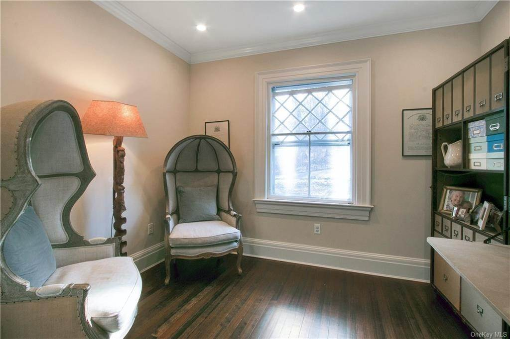 21. Single Family Home for Sale at 18 Pepperidge Road Tuxedo Park, New York, 10987 United States