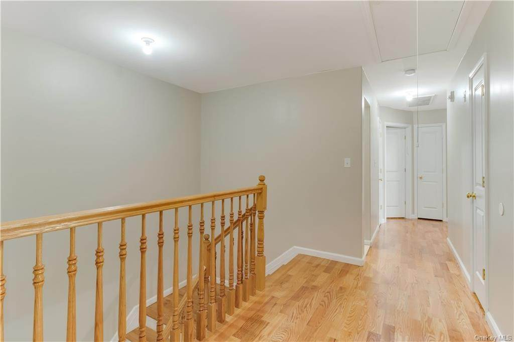 21. Single Family Home for Sale at 103 Decatur Avenue Spring Valley, New York, 10977 United States