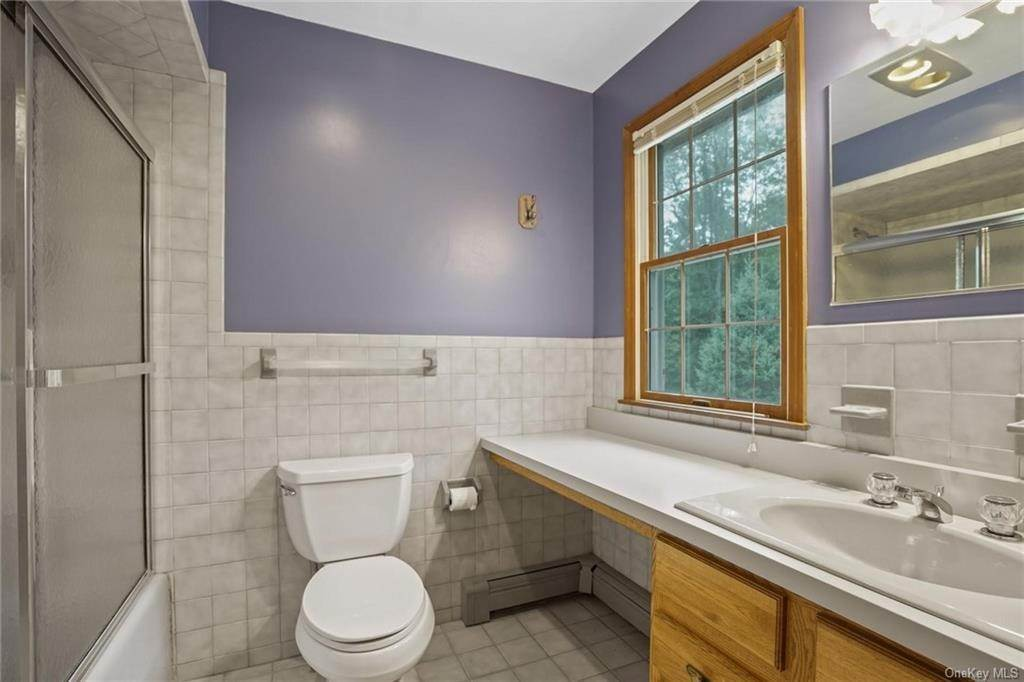 21. Single Family Home for Sale at 184 Sarah Wells Trail Campbell Hall, New York, 10916 United States