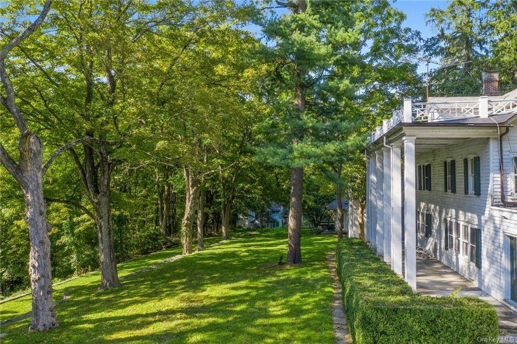 21. Single Family Home for Sale at 233 Long Ridge Road Bedford, New York, 10506 United States