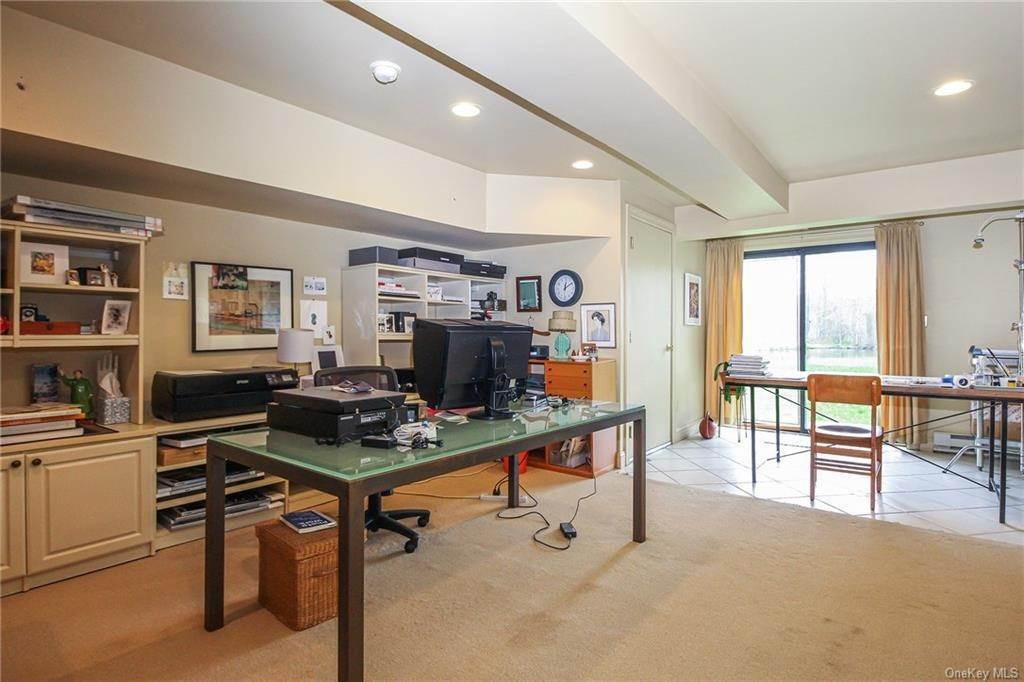 22. Rental Communities for Rent at 58 Pond View Lane Chappaqua, New York, 10514 United States