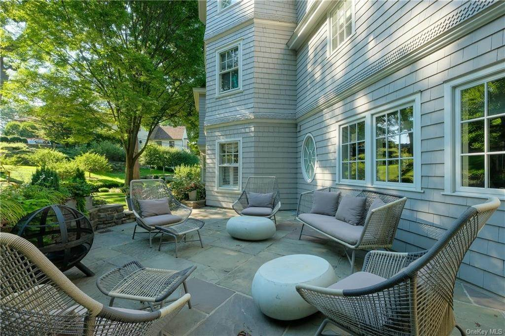 22. Single Family Home for Sale at 29 Valley Road Bronxville, New York, 10708 United States