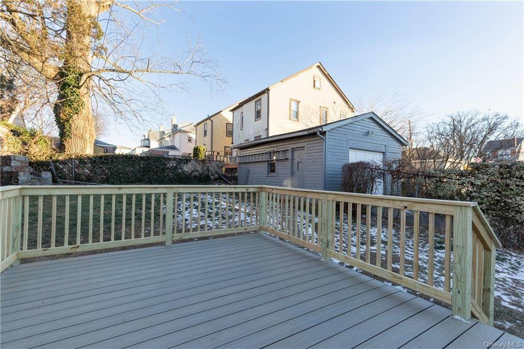 22. Single Family Home for Sale at 538 Kimball Avenue Yonkers, New York, 10704 United States