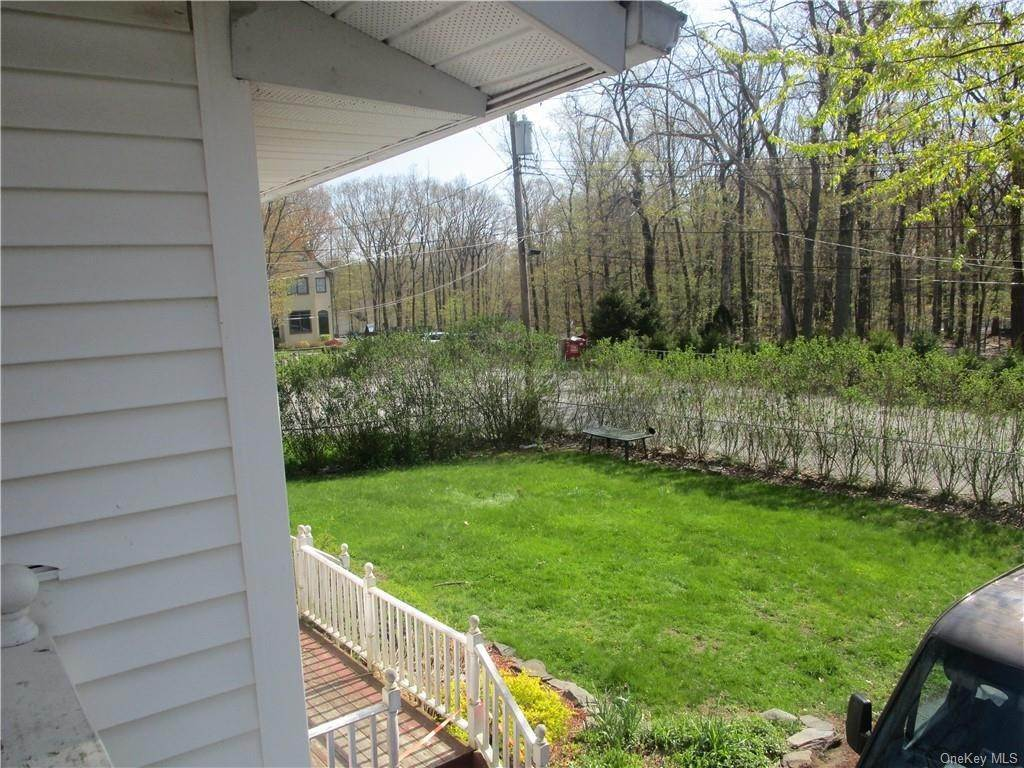 22. Single Family Home for Sale at 9 Kingsville Drive Monroe, New York, 10950 United States