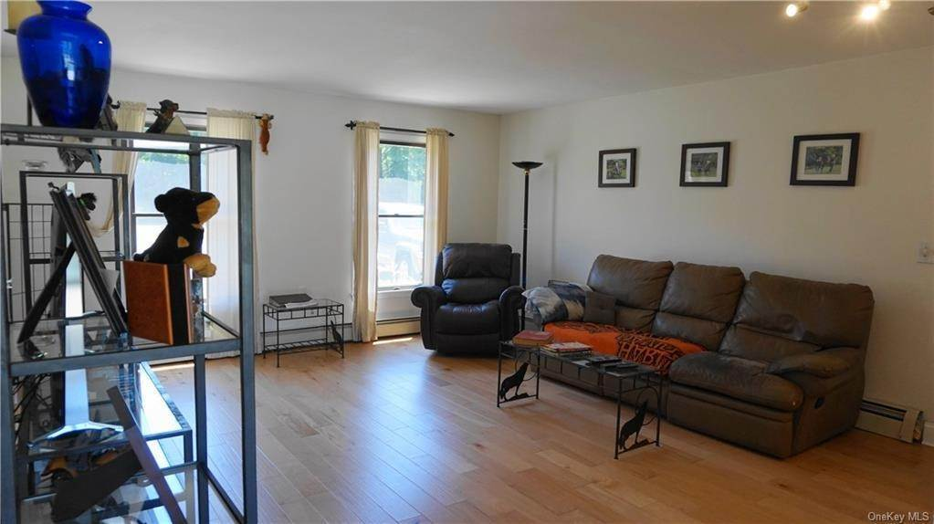 22. Single Family Home for Sale at 233 Maybrook Road Campbell Hall, New York, 10916 United States