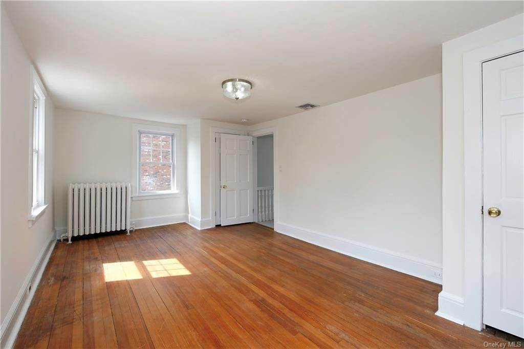 22. Single Family Home for Sale at 211 Oakland Beach Avenue Rye, New York, 10580 United States