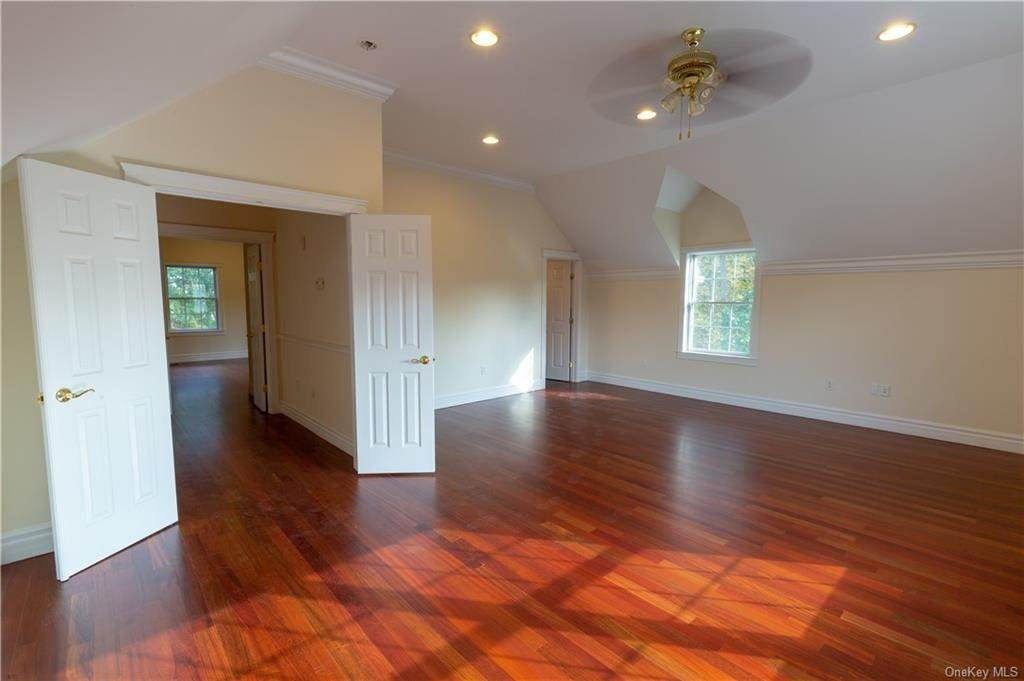 22. Single Family Home for Sale at 51 Juniper Terrace Tuxedo Park, New York, 10987 United States