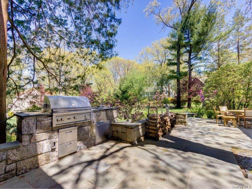 22. Rental Communities for Rent at 290 Overlook Road New Rochelle, New York, 10804 United States