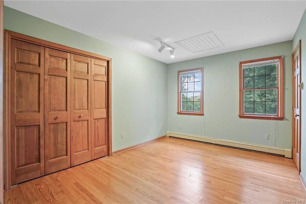 22. Single Family Home for Sale at 184 Sarah Wells Trail Campbell Hall, New York, 10916 United States